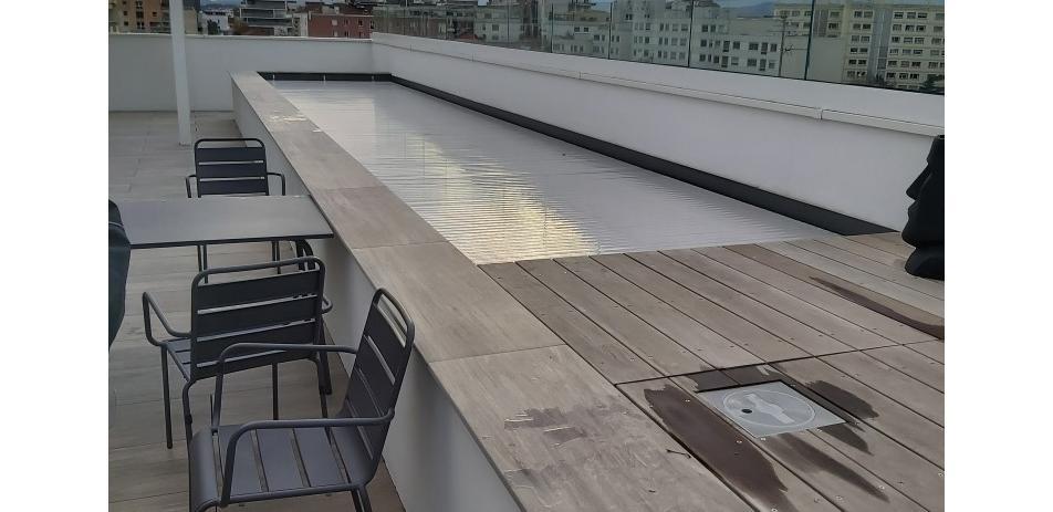 Piscine sur les toits de Lyon